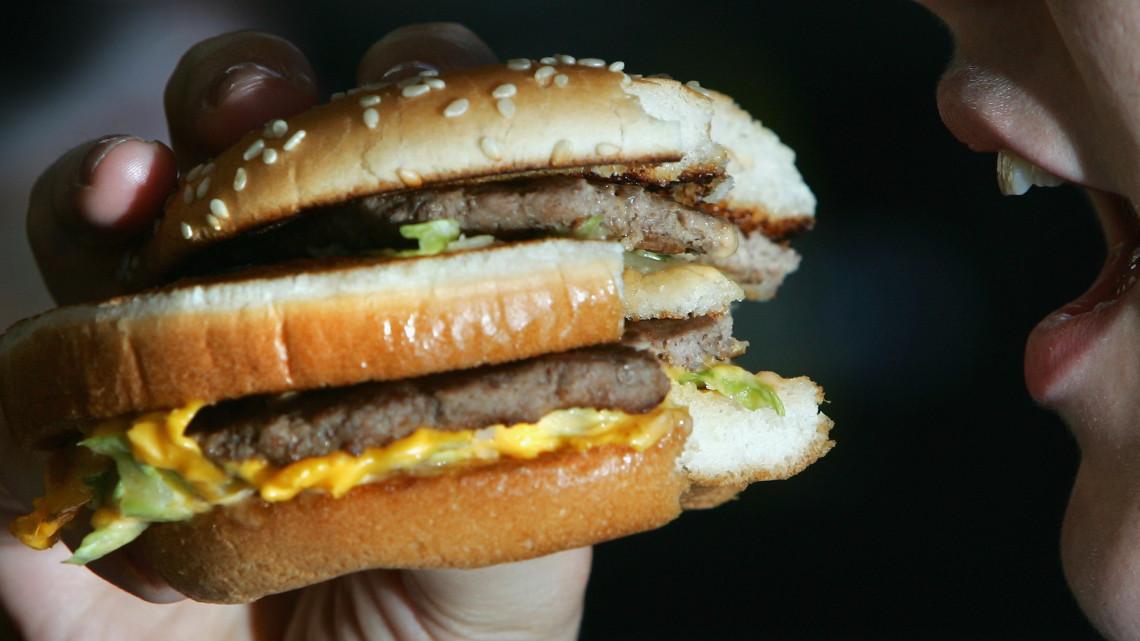 Makarónis lecsó helyett hamburger és taco - Avagy, mivel tömik tele magukata befektetők?